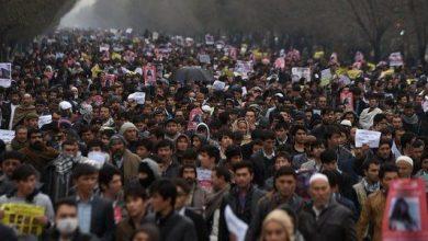 kabilde on binlerce kisi protesto etti