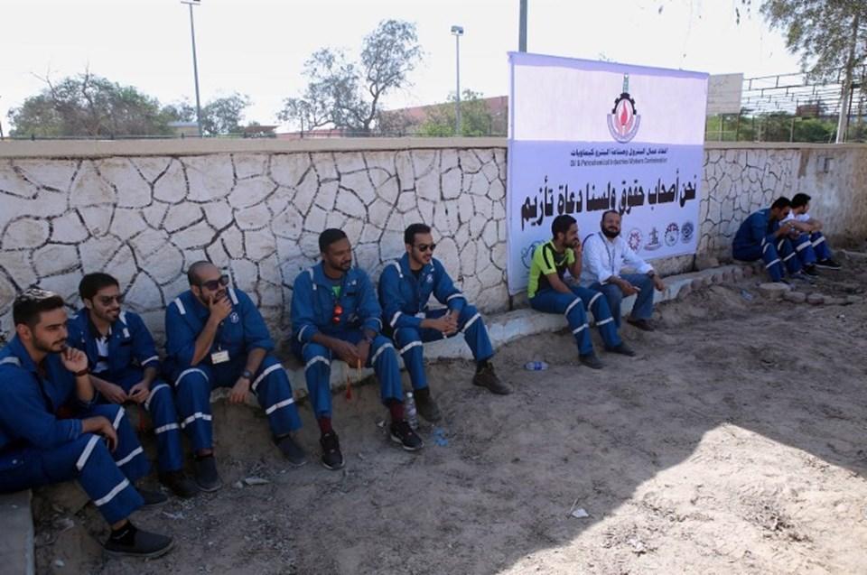 Kuveytte işçiler grevde