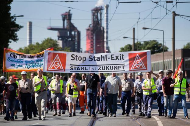 Photo of Verdiği sözü tutmayan ThyssenKrupp'a metal işçilerinden güç gösterisi