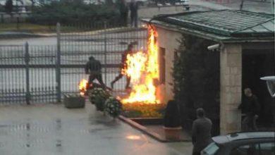 işçi kendini meclis önünde yaktı