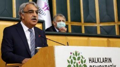 Photo of HDP'den 'kapatma kararı'na; Buyursunlar deneyip görsünler